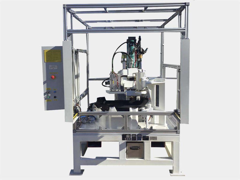 Machine de montage et de découpe